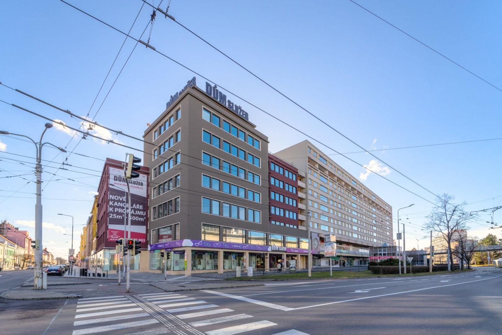 Fotografie budovy Dům služeb Pardubice